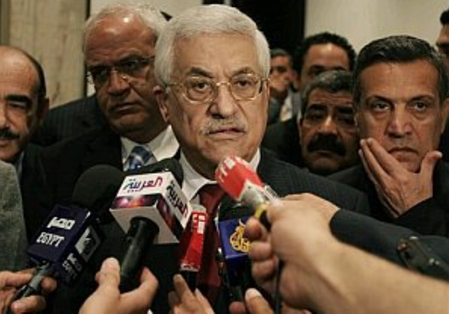 Abbas downplays prisoner deal