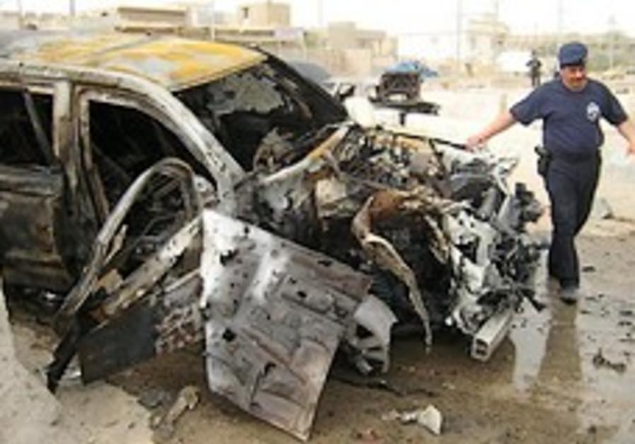 Suicide truck bomb kills 1 at Iraqi police station