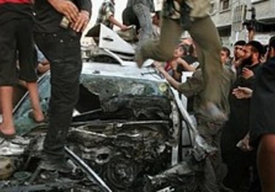 gaza airsrike aftermath 224.88