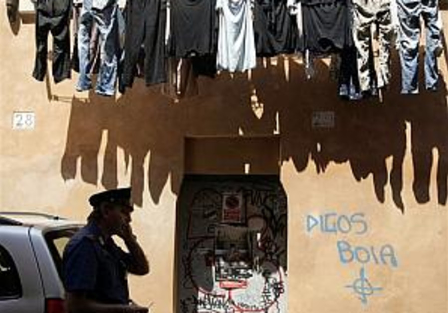 Moldovan leaders condemn Nazi graffiti on synagogue