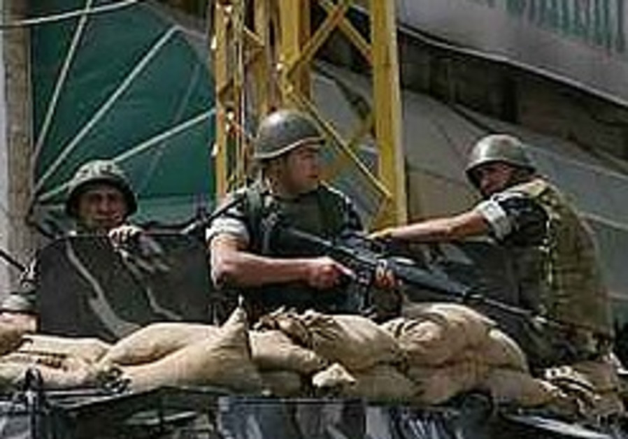 4 Lebanese soldiers killed in grenade ambush