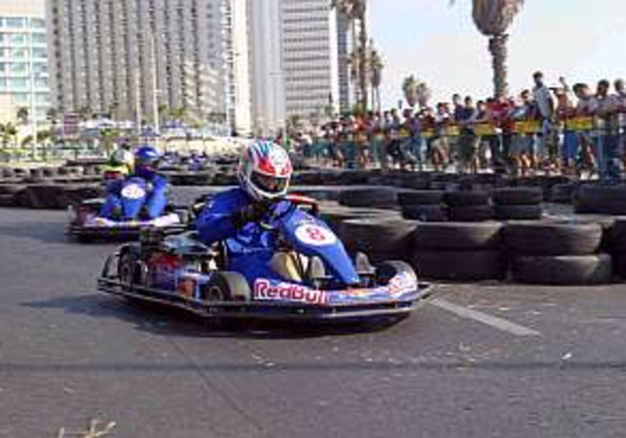 Cart racing takes over Tel Aviv
