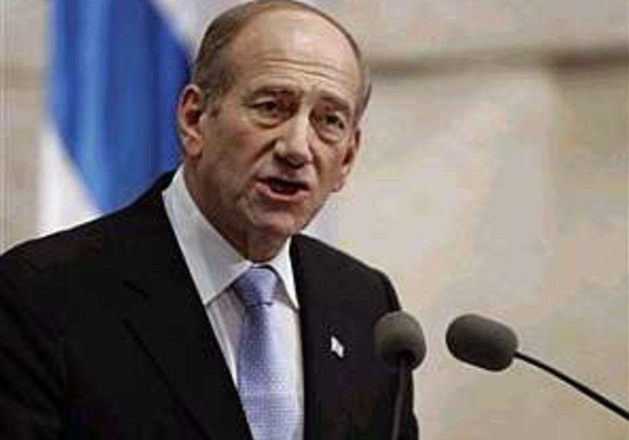 Olmert asks Diaspora Jewry to 'rise to challenge' of rebuilding