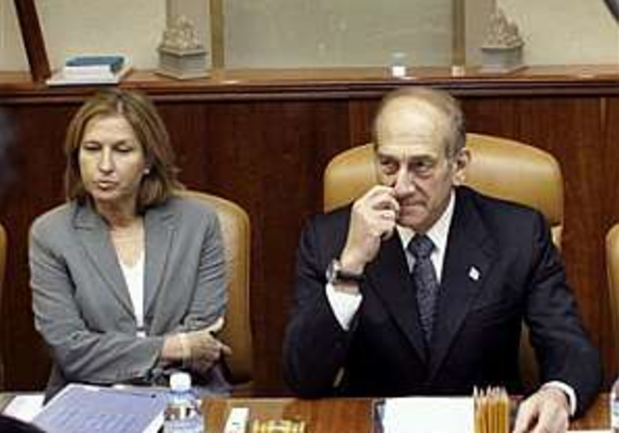 Olmert: Livni also responsible for war's outcome