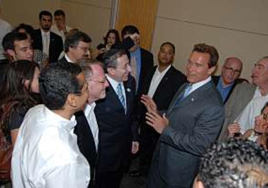 Schwarzenegger 298 courtesy
