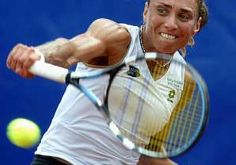 Smashnova successfully defends WTA Budapest title