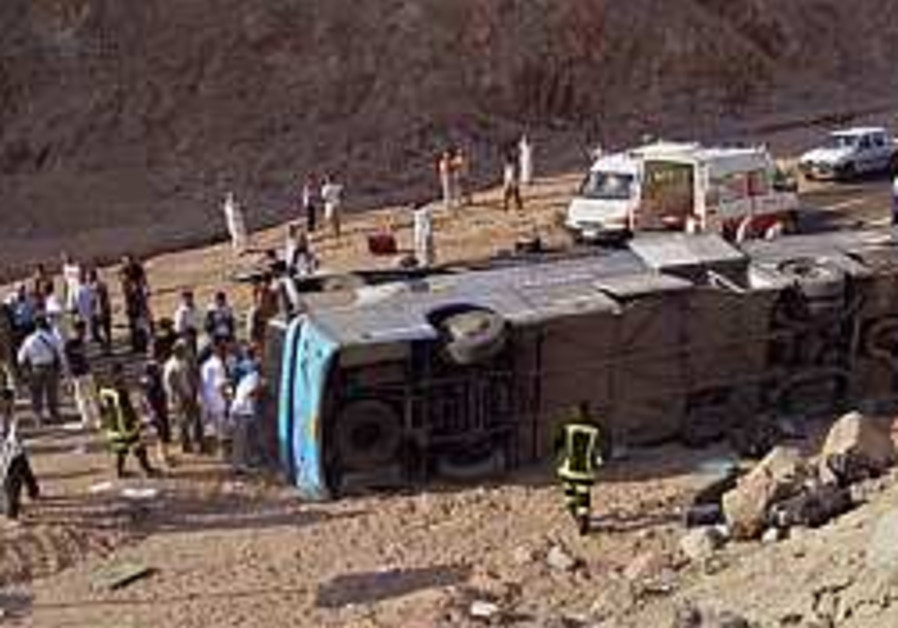 10 Israelis killed in Sinai bus accident