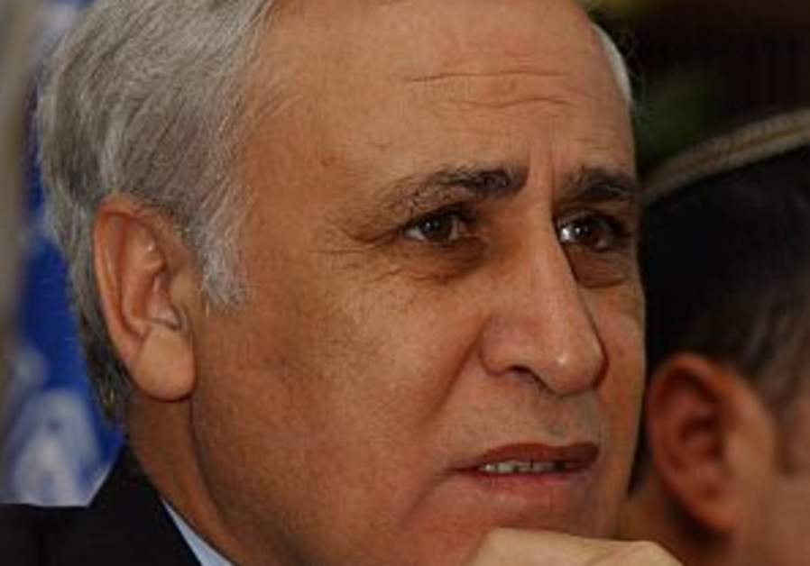 Katsav loses cool in lengthy interrogation