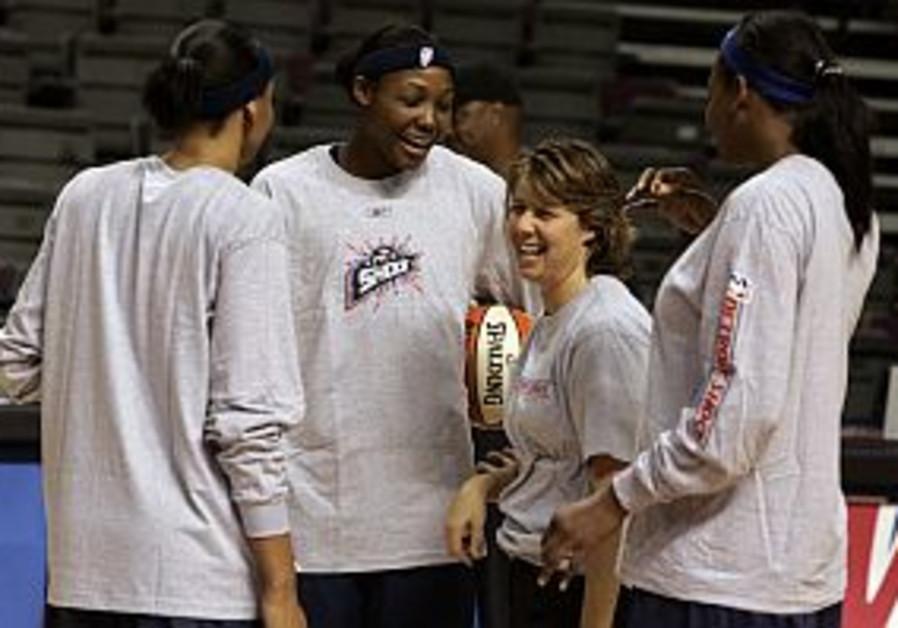 Former Anda Ramat Hasharon players prepare for WNBA Finals