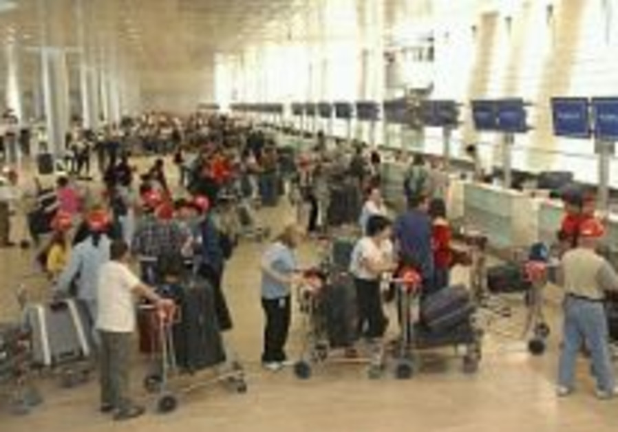Officials: Mere threat of strike damages tourism
