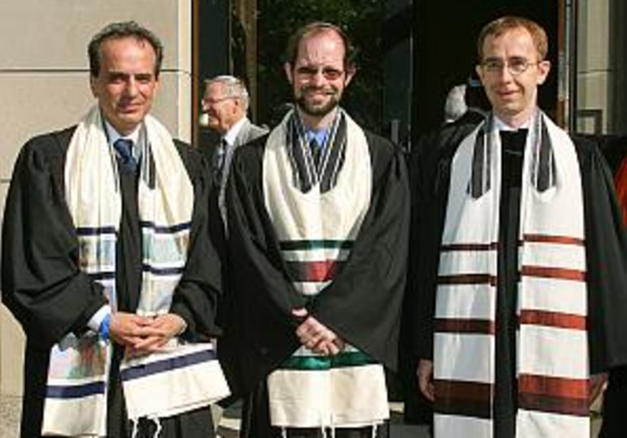 Germany: 1st rabbis ordained in 64 yrs.