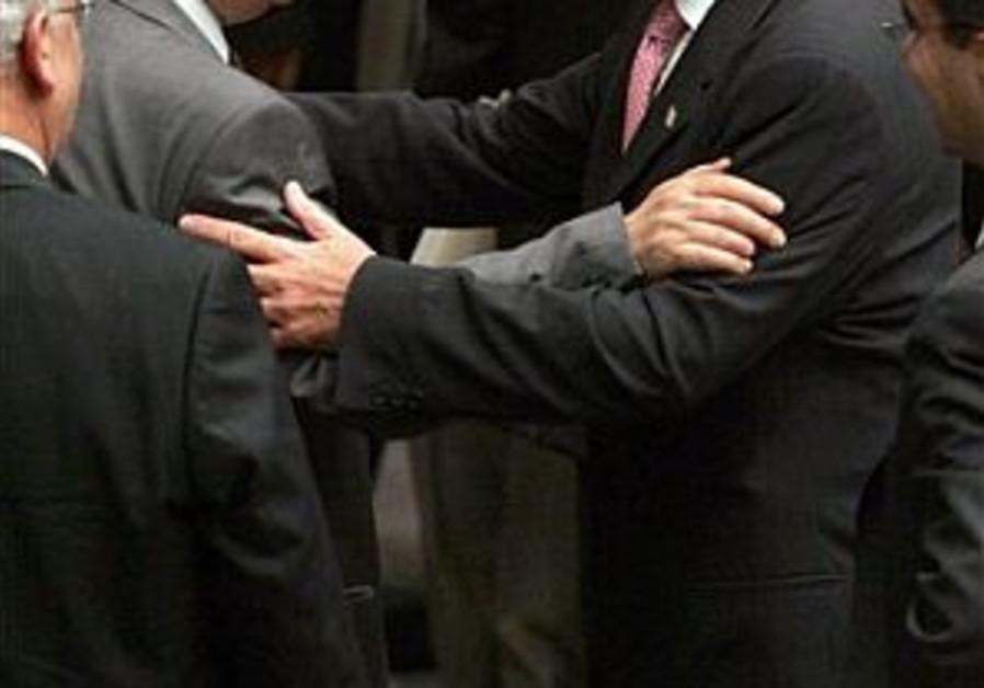Peretz: Talks with Hamas possible