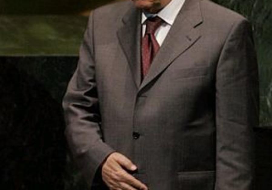 Abbas renews threats to dissolve Hamas gov't