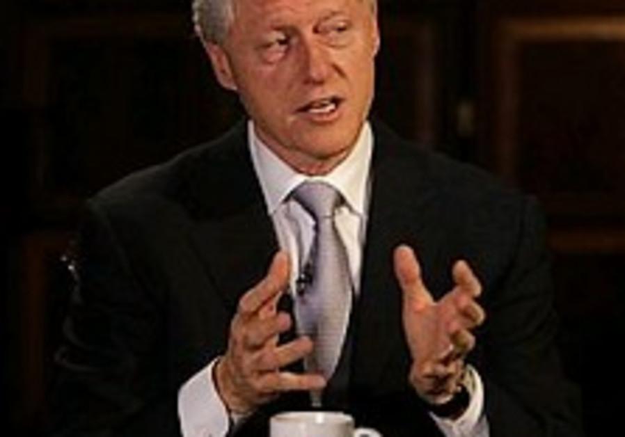 Clinton defends handling of Bin Laden