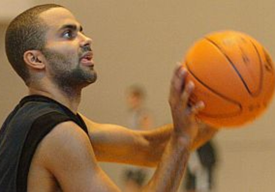 NBA teams train in Europe; Spurs get ready to face Maccabi Tel Aviv