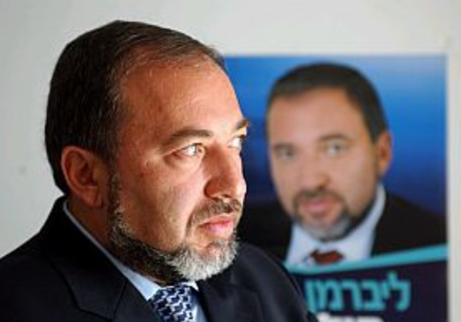 Analysis: Getting a foot in the door won't be easy for Lieberman