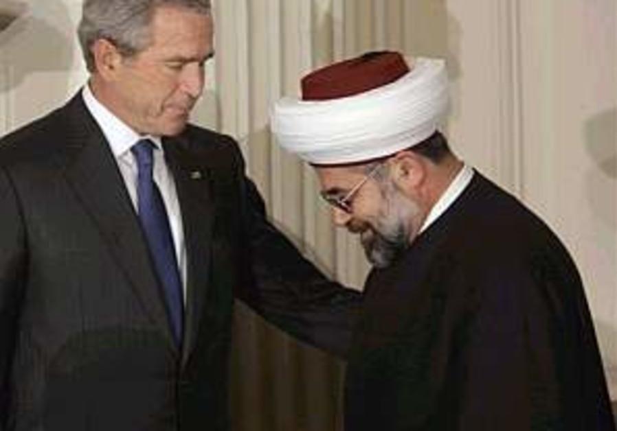 Bush praises US Muslims for working to defeat terrorism