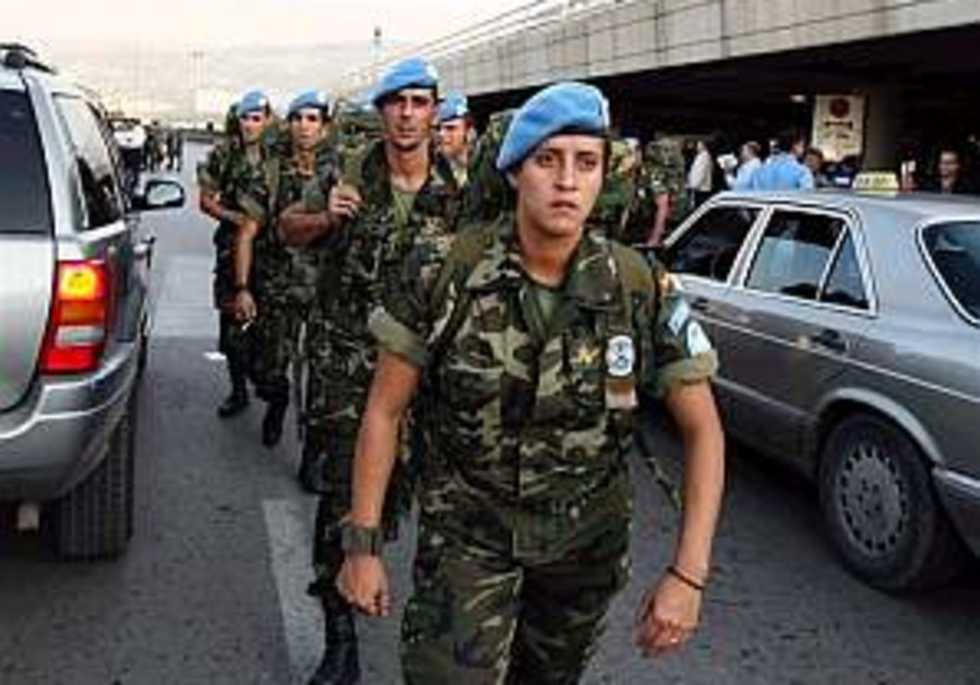 Spanish troops rotate into peacekeeping force