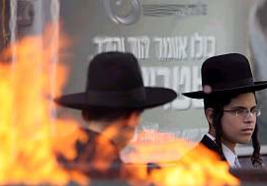 Experts warn haredim they're poisoning families