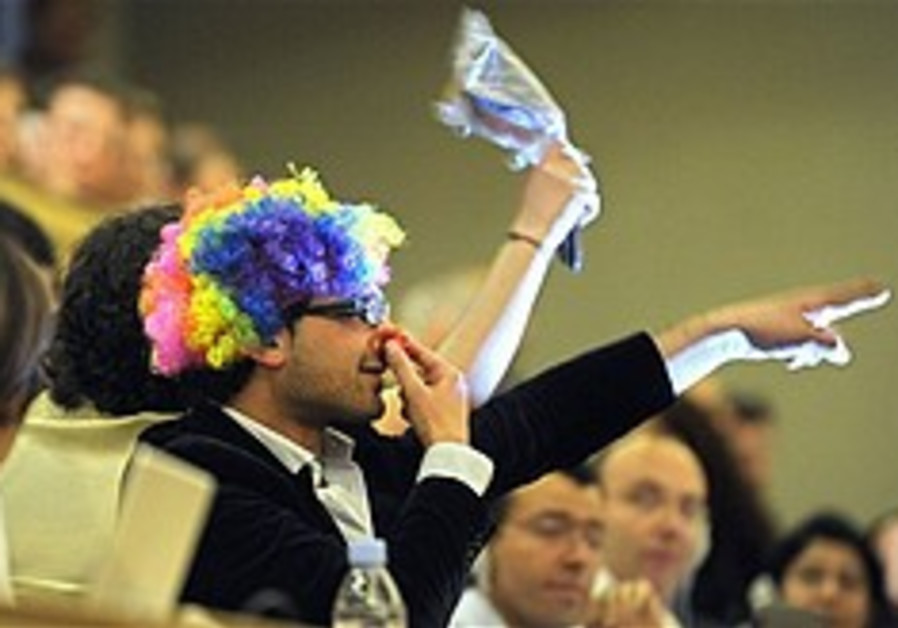 Wigged hecklers booted from Durban II