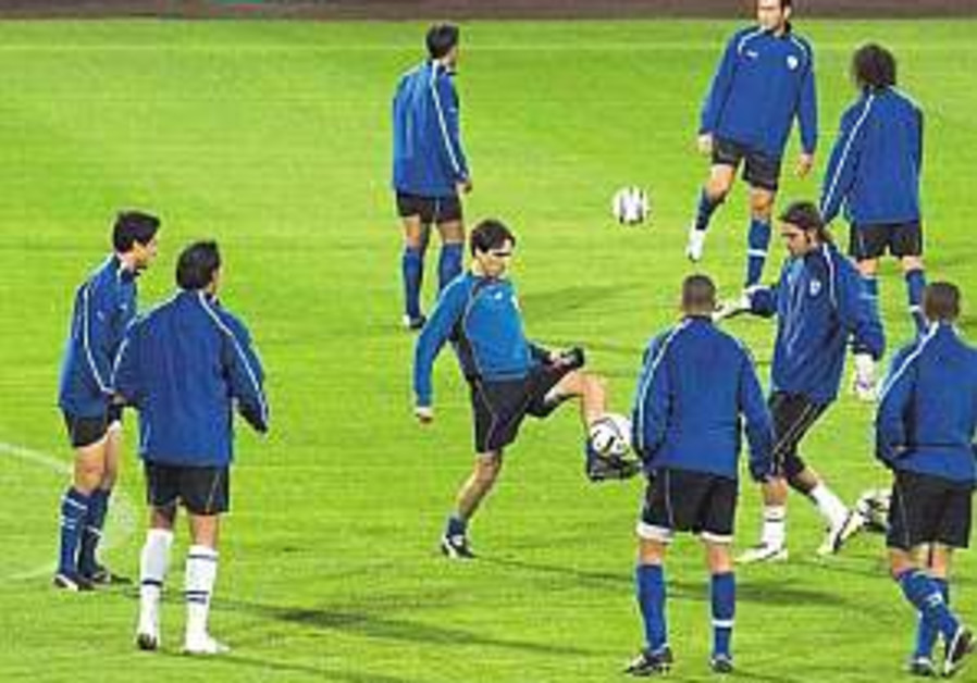 Euro 2008 Soccer: Tamuz picked, Zandberg dropped
