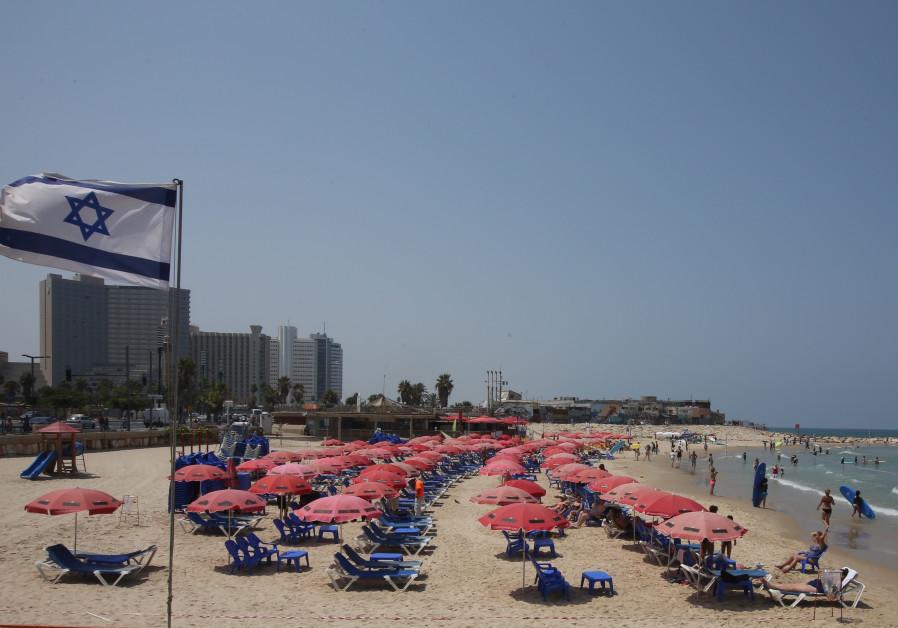 Israeli flag tel aviv beach