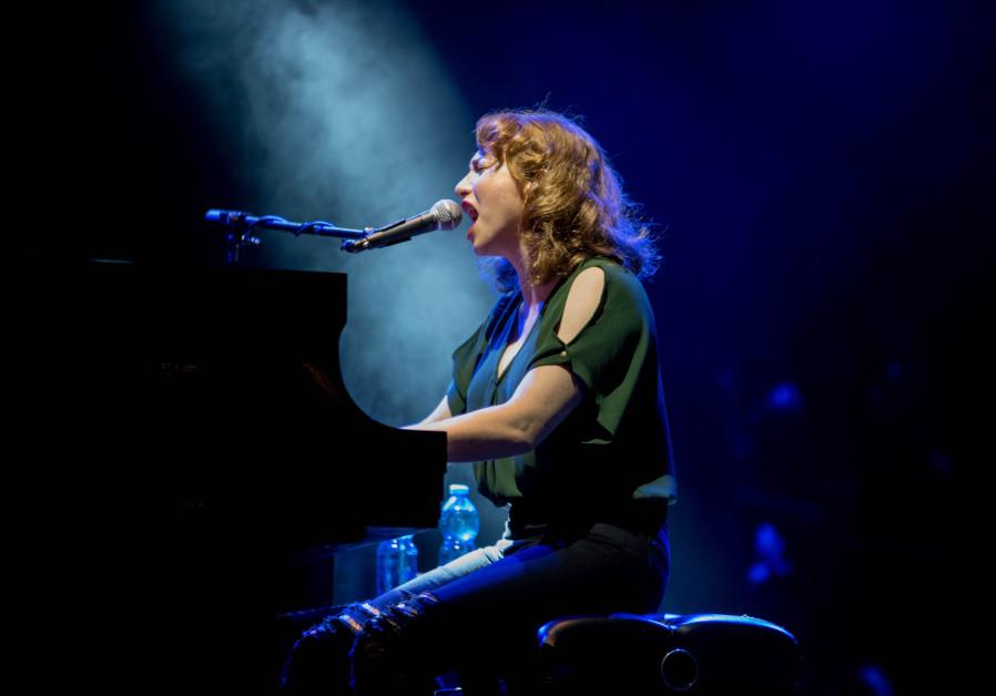 Regina Spektor serenades Israel, shuns 'f*cking nazis'