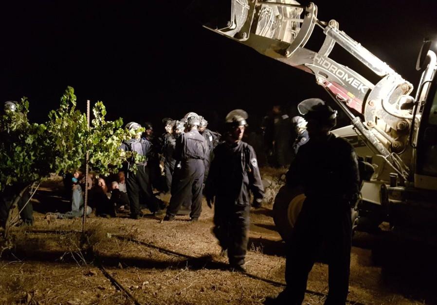 IDF demolishes settler home in predawn raid
