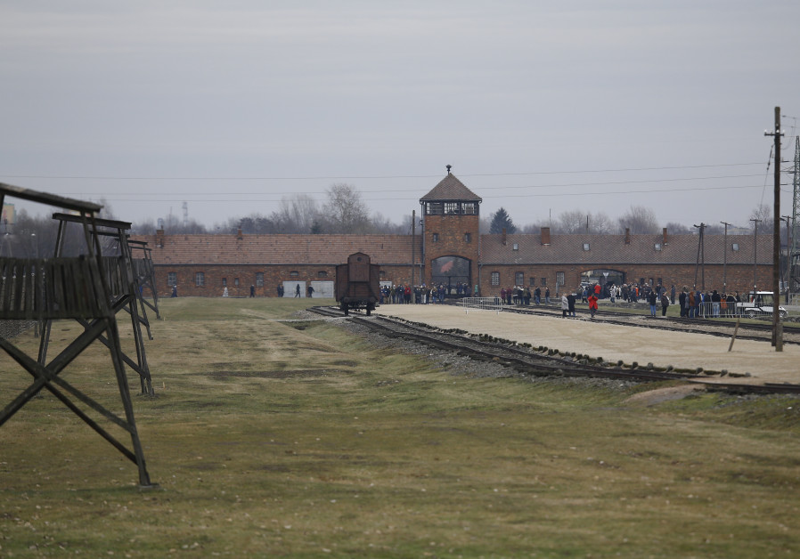 British organization under fire for using Auschwitz photo in news release