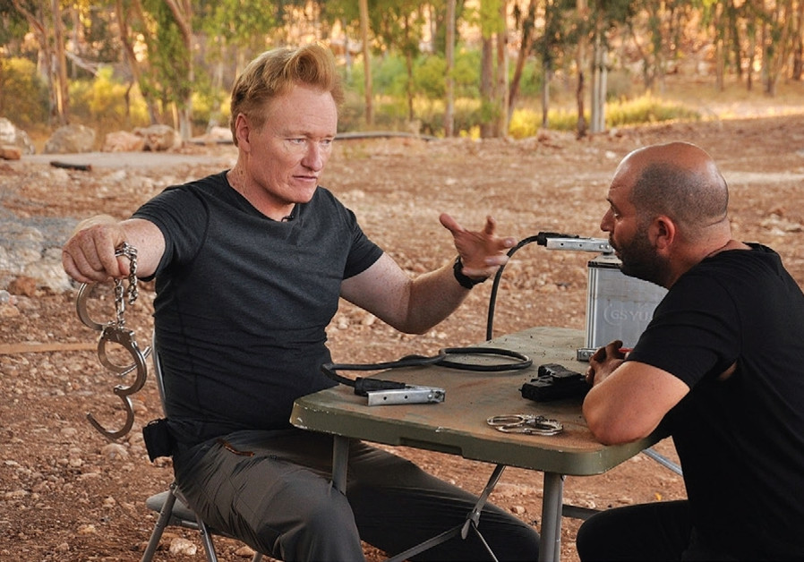 Conan O'Brien visits 'Fauda' set