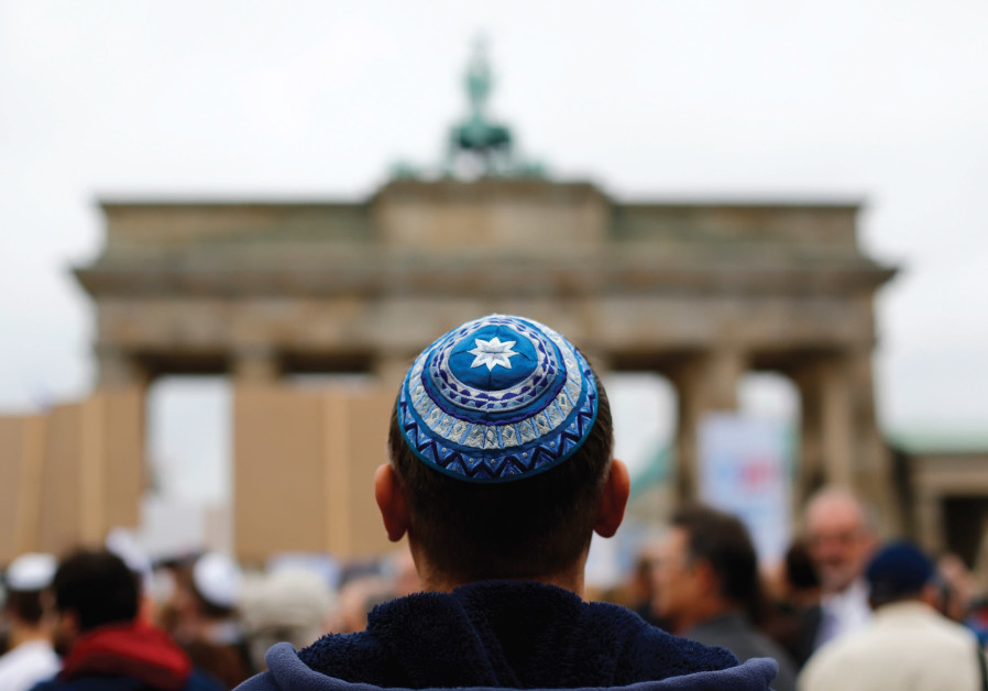 Writer under fire for demonizing German Jews