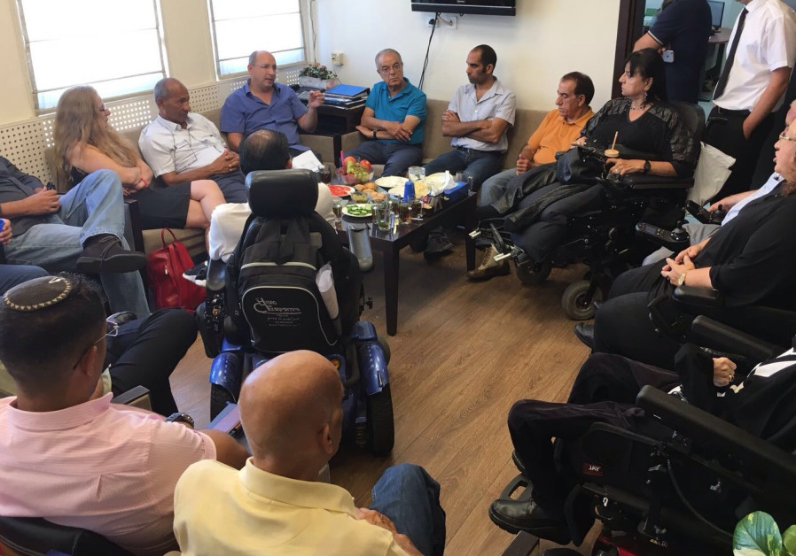 Histadrut president signs on to lead disabled struggle