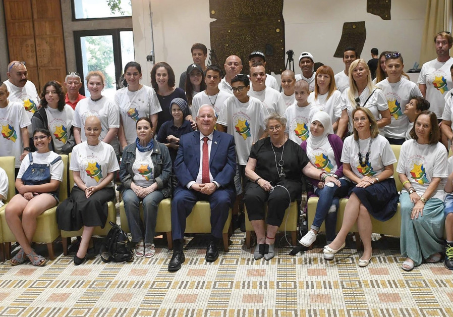 President Rivlin meets with cancer patients at his residence, September 2017
