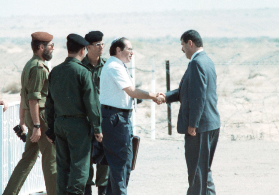 Elkayim Rubinstein meets with his Jordanian counterpart before peace talks, 1994