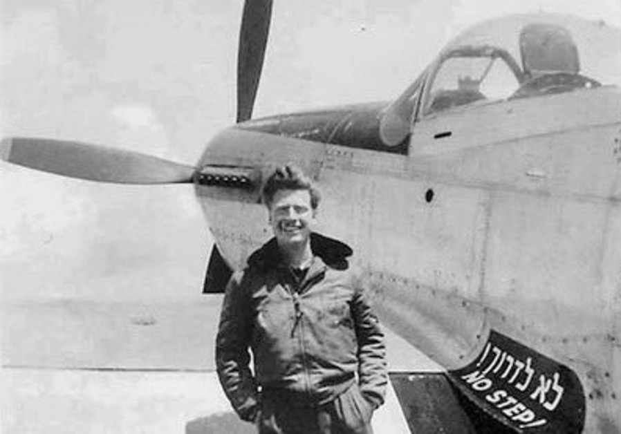 Mitchell Flint, an American pilot who volunteered to fight in Israel's War for Independence