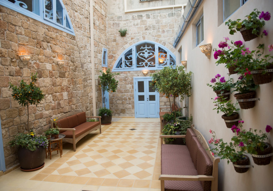 Arabesque is a boutique hotel in Acre.