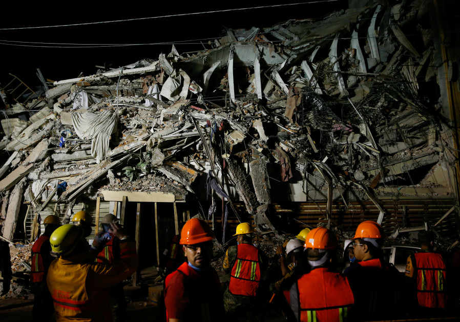 Deadly aftershock, volcanic ash spread alarm in Mexico