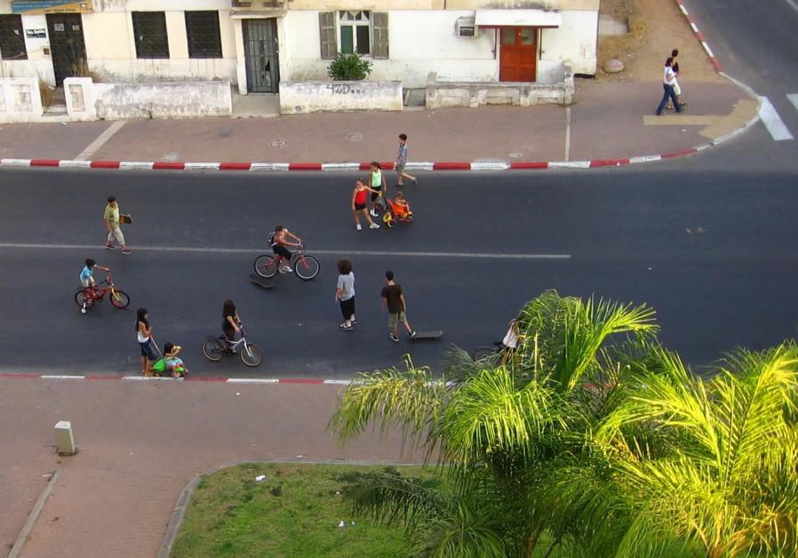 The streets of Herzliya on Yom Kippur. bikes