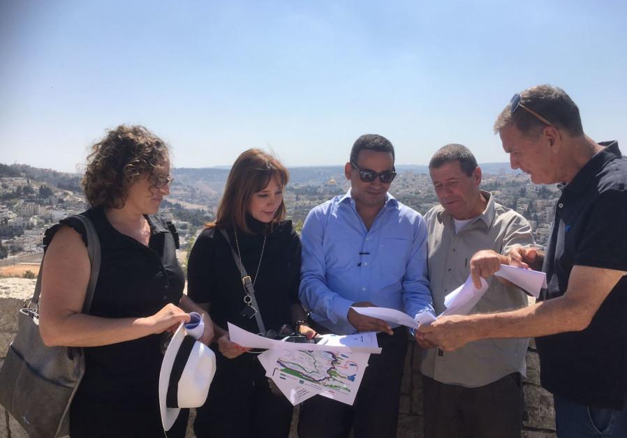 A group of MKs tour East Jerusalem, October 2017
