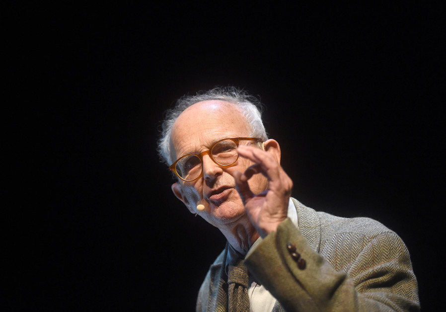 Winner of the Nobel Prize in physics MIT Professor Rainer Weiss delivers a lecture