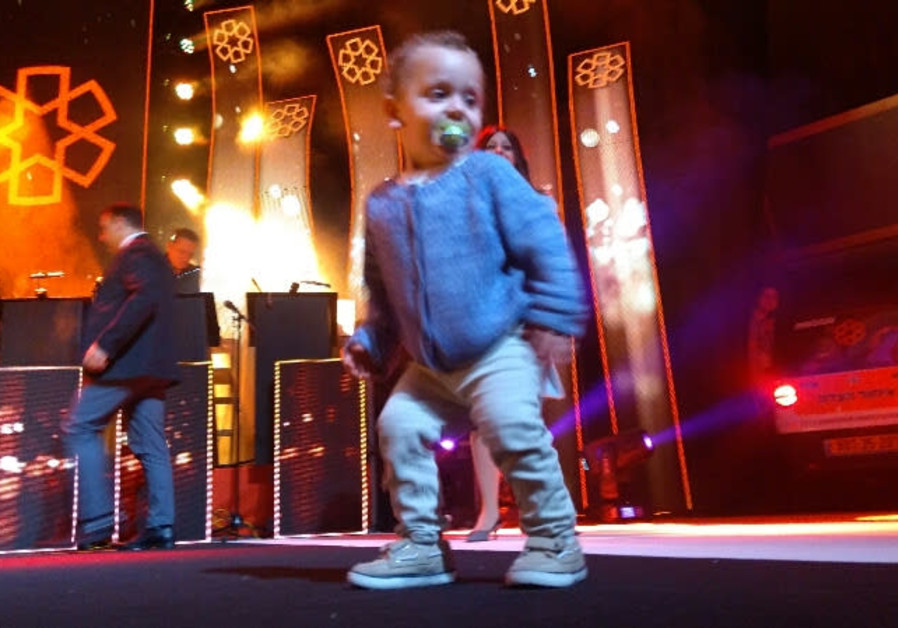 Two year old Elchanan dancing on stage