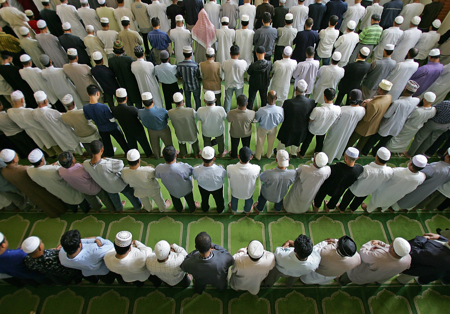 Poll: Muslims to overtake Jews as 2nd largest religion in U.S. by 2040