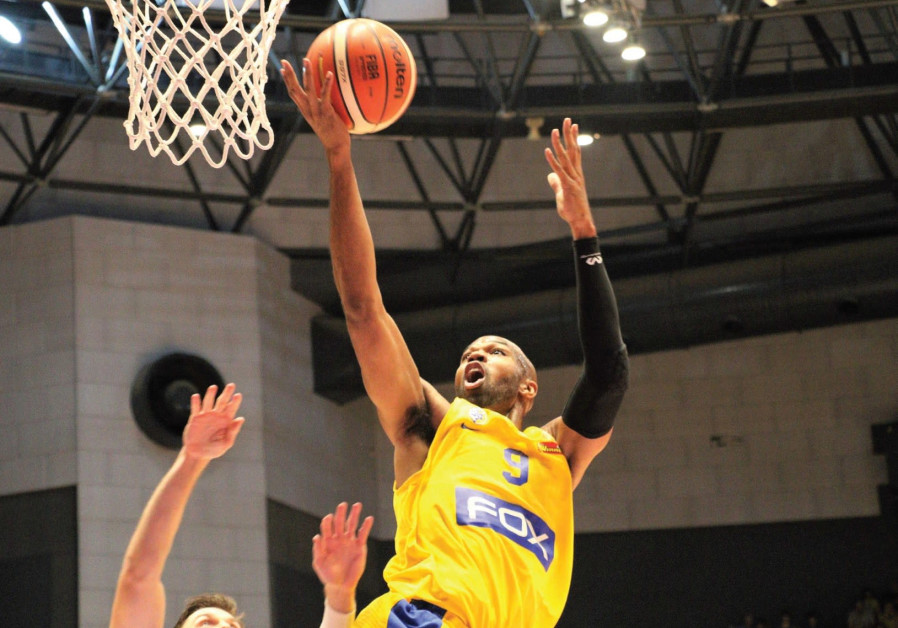 Maccabi Tel Aviv center Alex Tyus had 12 points on a perfect 5-of-5 from the field in last night's 8