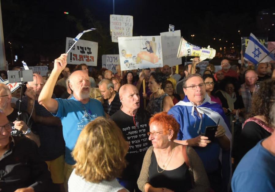'Bibi go home': Anti-corruption demonstrations reach a year