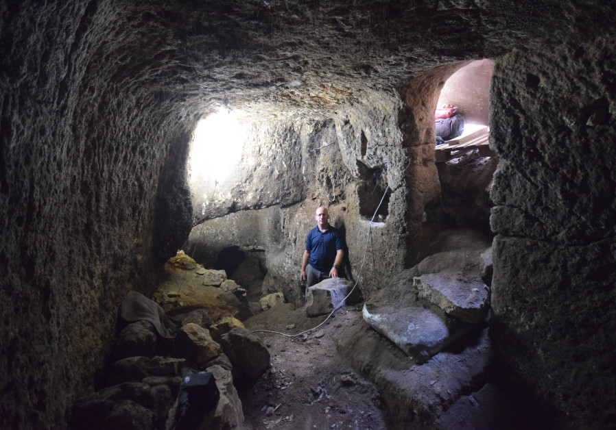 Roman-era cave system in Lower Galilee plundered by thieves