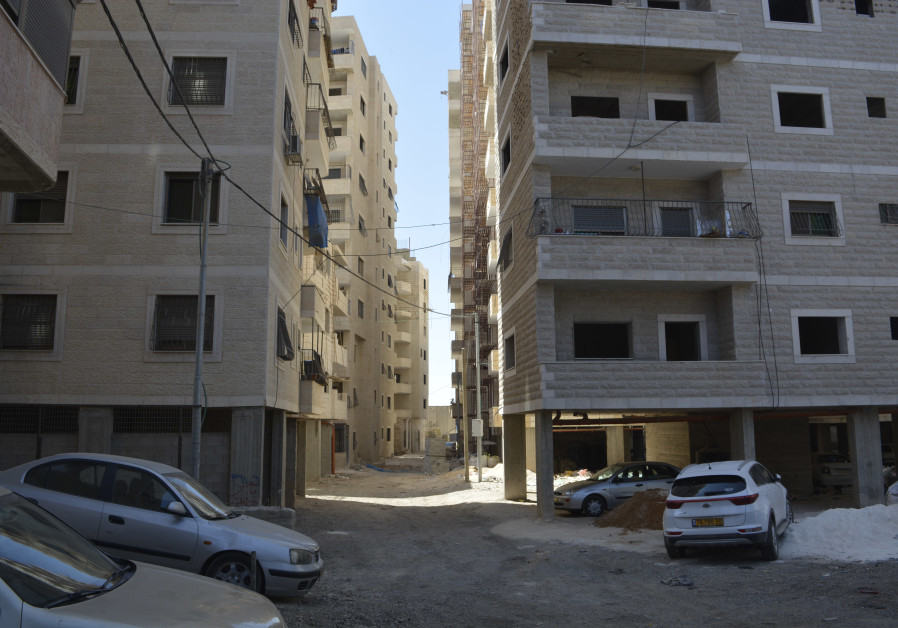 Illegal buildings in Kafr Aqab. (Udi Shaham)
