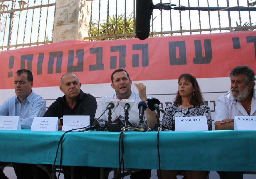 Kiryat Arba Council head Malahi Levinger, Beit Aryeh Council head Avi Naim, Samaria Regional Council