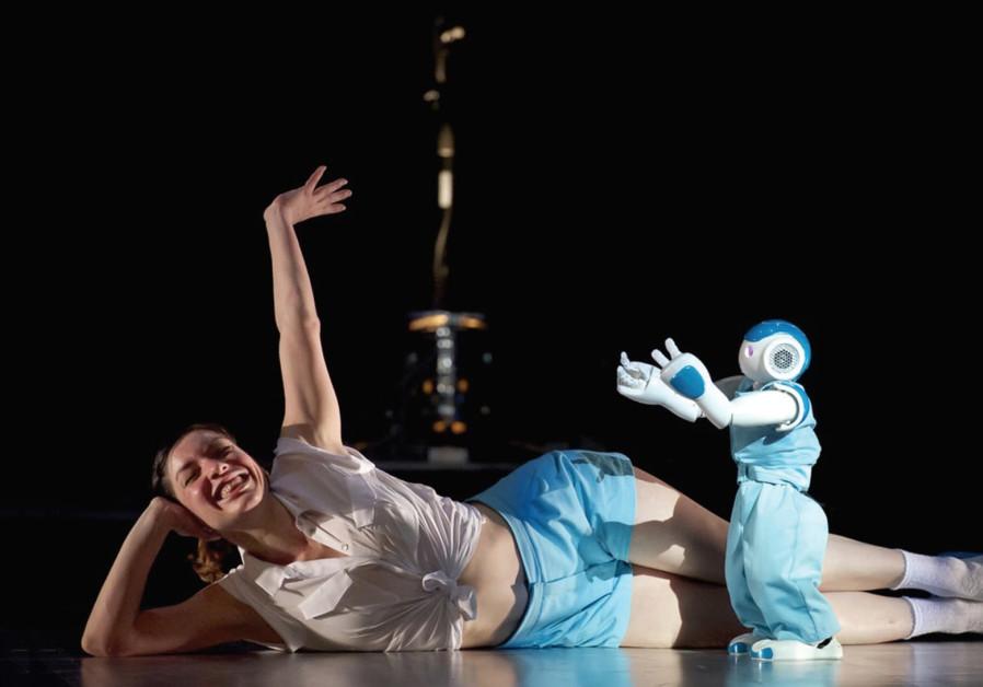 Spanish choreographer Blanca Li brings her acclaimed Robot to Tel Aviv.