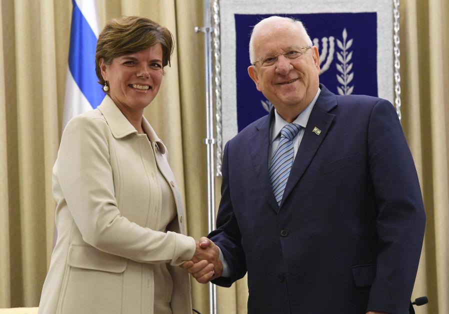 President Reuven Rivlin and Danish Ambassador Charlotte Slente, October 23, 2017. . (President's Spokesperson's Office)