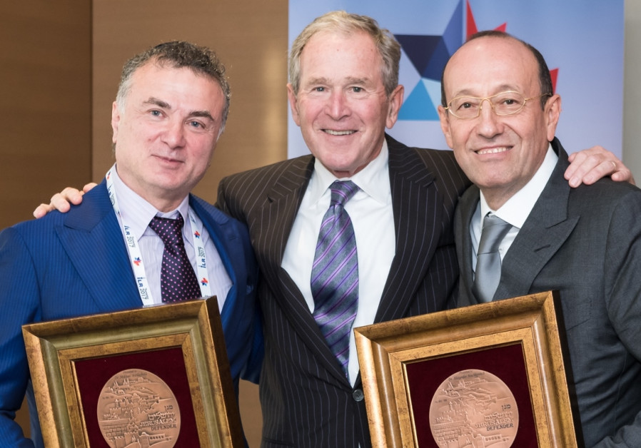 In Canada, George W. Bush awarded prize for commitment to Israel